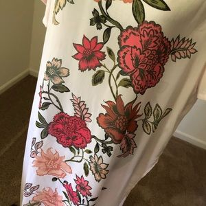 Vince Camuto Casual Top or Cover up🌸